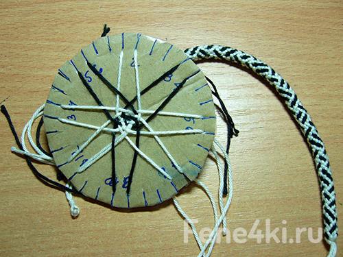 Плетение кумихимо. Фенечки из мулине. Схемы фенечек. Как плести фенечки