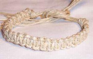 Плетение браслетов из пеньки. Фенечки из мулине. Схемы фенечек. Как плести фенечки