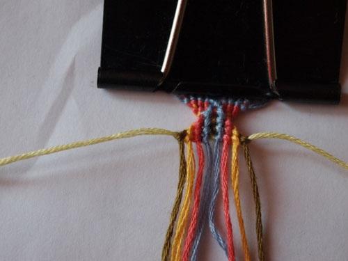 Схема фенечки Необычные ромбики. Фенечки из мулине. Схемы фенечек. Как плести фенечки