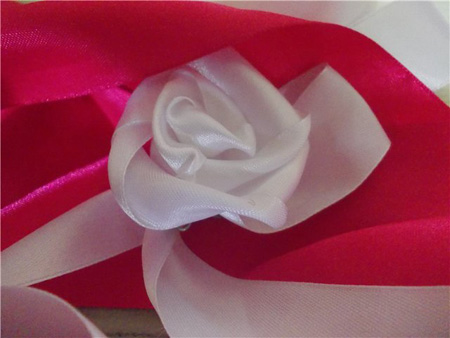 How to Make a Ribbon Rose. Friendship Bracelets. Bracelet Patterns. How to make bracelets