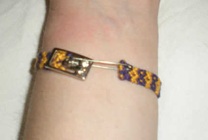 Making a Buckle on a Bracelet. Friendship Bracelets. Bracelet Patterns. How to make bracelets